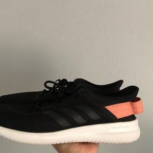 BLACK ADIDAS WORKOUT SHOES